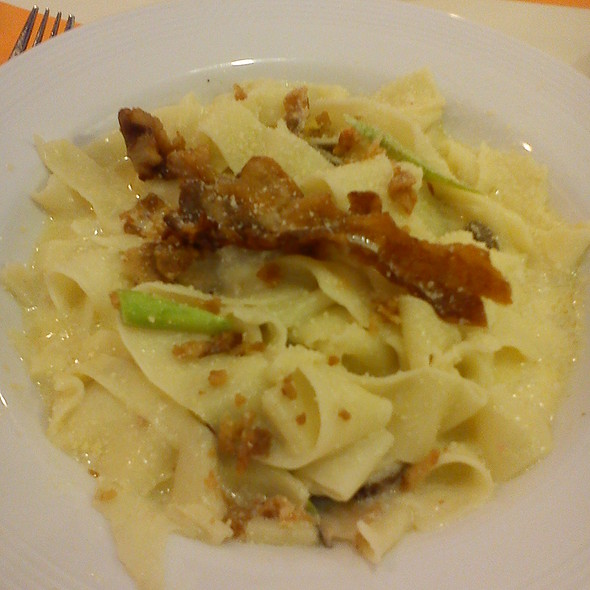 Crispy Bacon On Asparagus And Mushroom Tagliatelle @ Pancake House