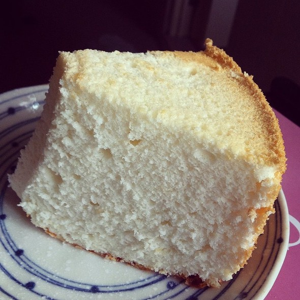 Egg White Cheese Chiffon Cake @ Galicier Pastry