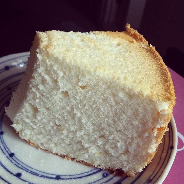 Egg White Cheese Chiffon Cake @ Galicier Pastry