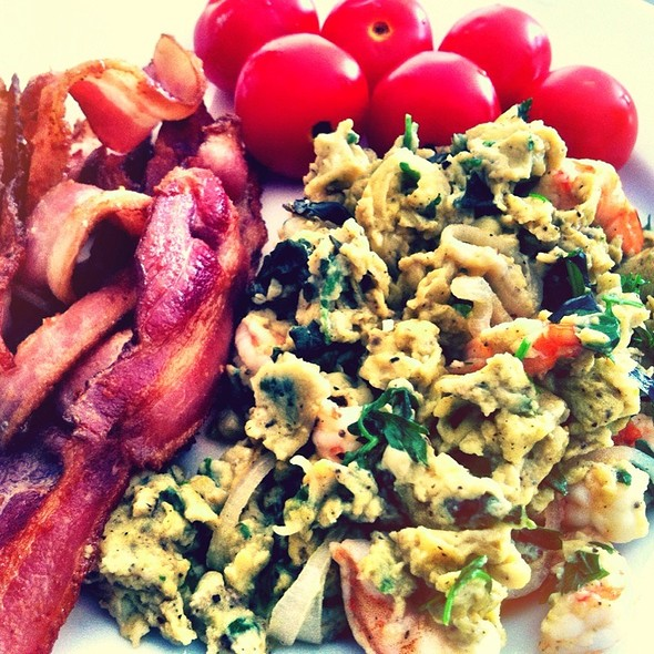 Scrambled Eggs With Basil, Parsely, And Shrimp @ Laurelwoods Rental Condominium