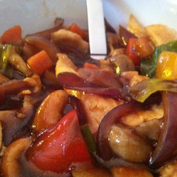 Kung Pao Chicken @ Restaurant Tai Ping