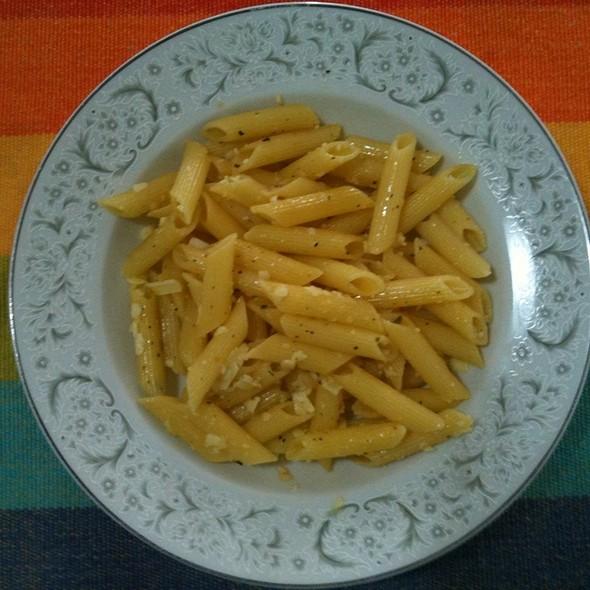 Pasta Al Dente Na Manteita Com Ervas E Alho @ Minha Casa