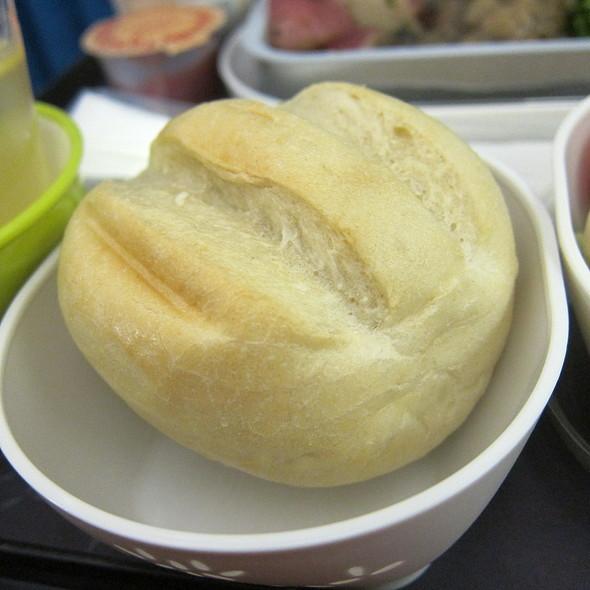 Bread @ Cathay Pacific SFO to HKG Flight