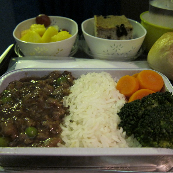 In Flight Meal @ Cathay Pacific SFO to HKG Flight