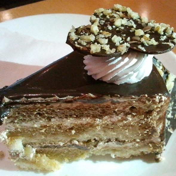 Mocha Walnut Cake