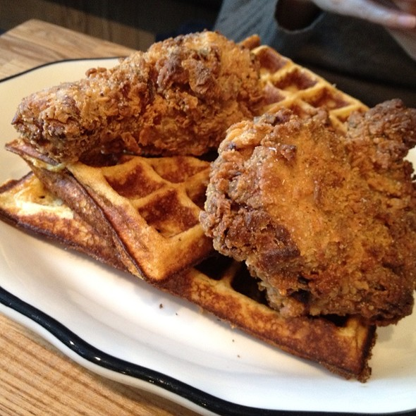 Chicken and Waffles @ Eggy's