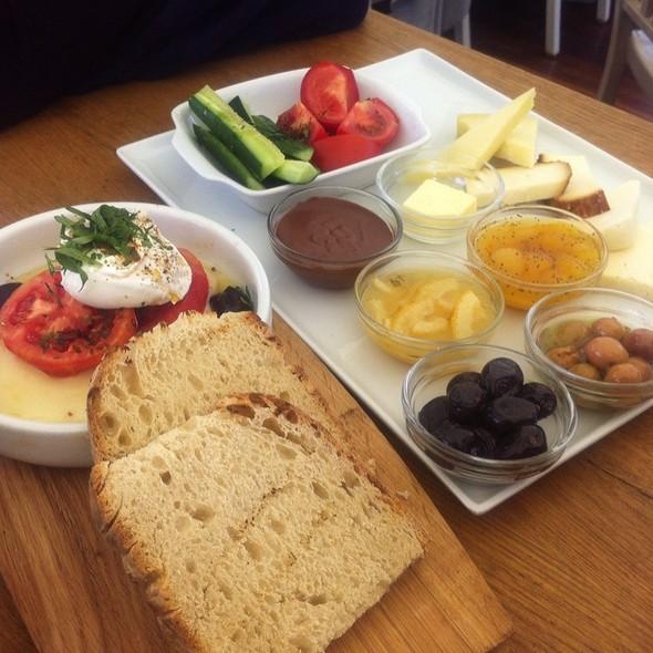 Kahvalti Tabagi @ The House Cafe - Ortaköy