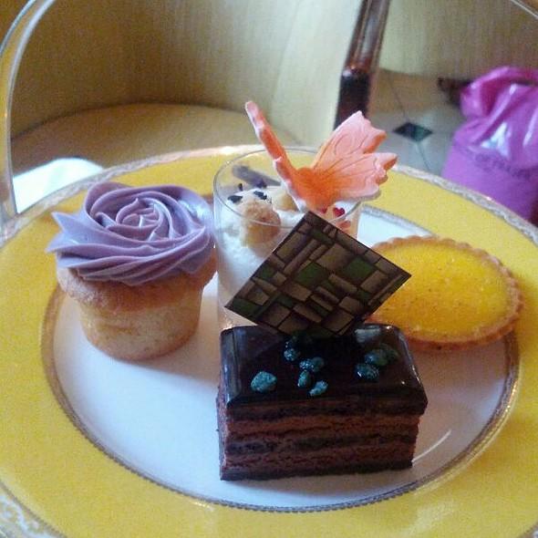 Afternoon Tea Miniature Fancies @ The Goring