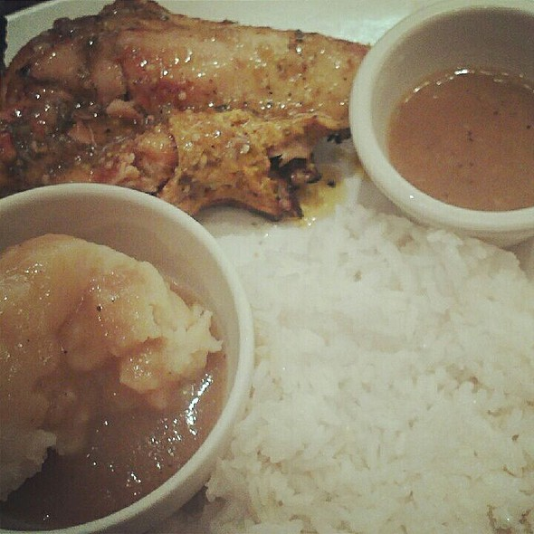 Mild Spice Peri Peri Chicken + Whipped Potatoes @ Peri-Peri Grill House