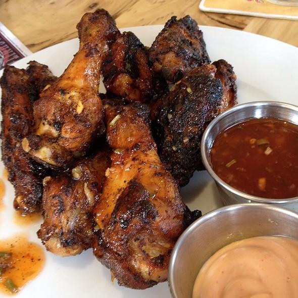 Sassy Wings @ Burger Bar