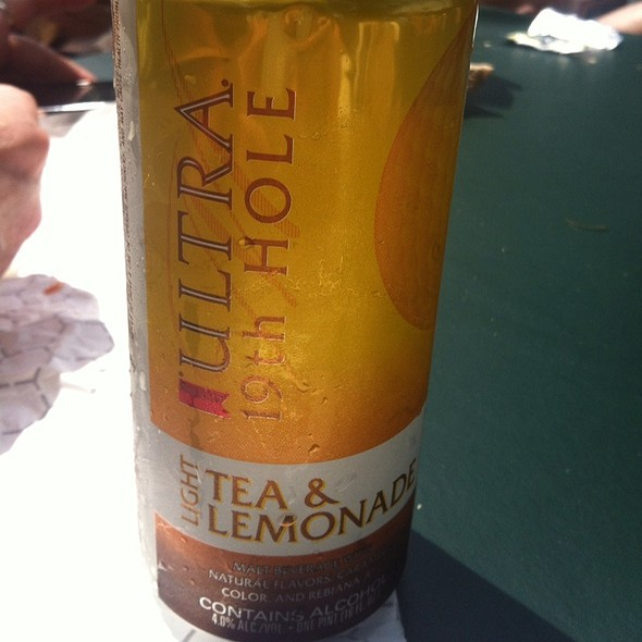 Michelob Ultra 19Th Hole - Nineteen & Traditions at TPC Sawgrass, Ponte Vedra Beach, FL