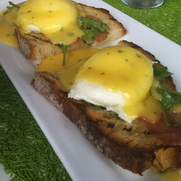 Embarcadero Benedict - AVO, Mt Brook, AL