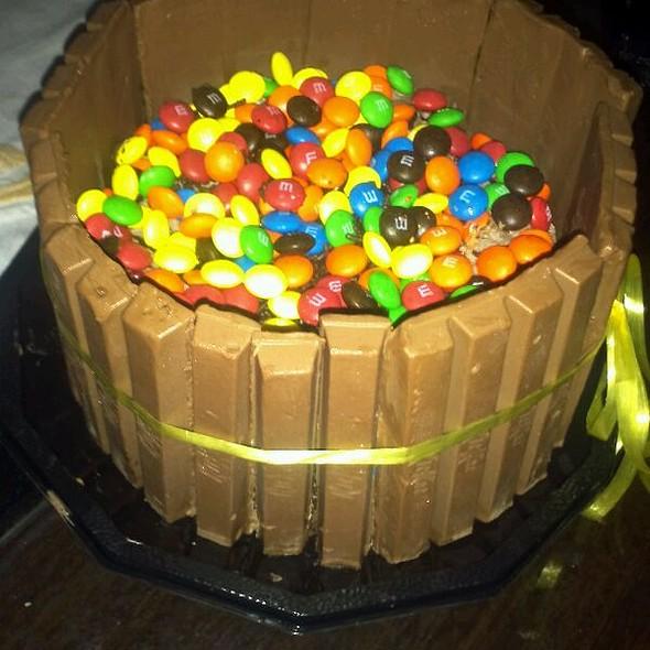 Birthday cake @ Lucas Home