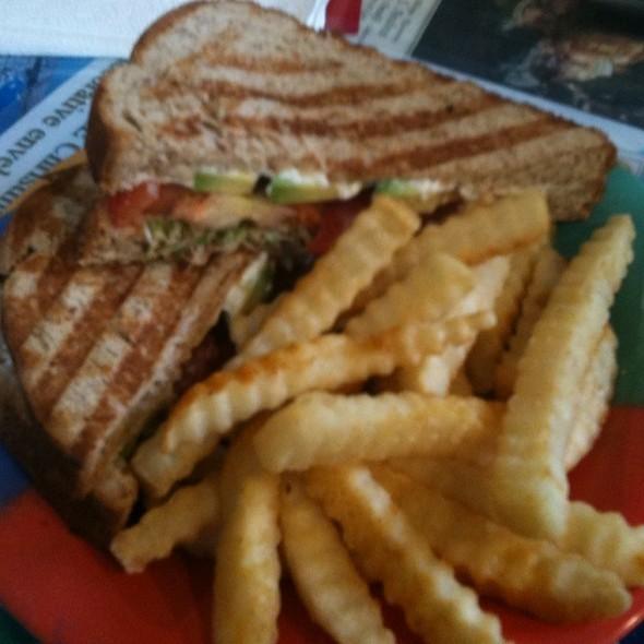 Avocado Garden Grill @ Cafe Coco