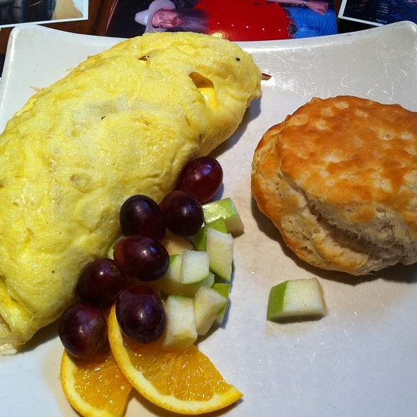 Bacon Cheddar Omelette @ Sunspot Restaurant