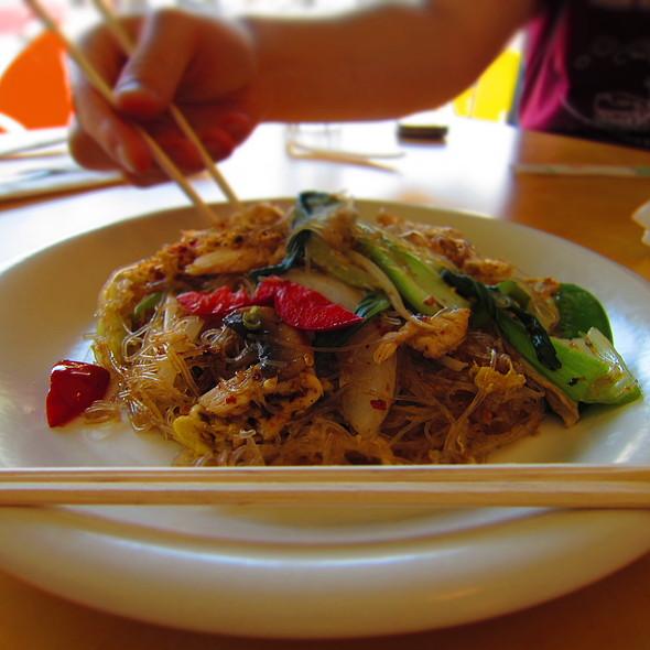 Chicken Pad Woon Sen @ Dharma Garden Thai Cuisine