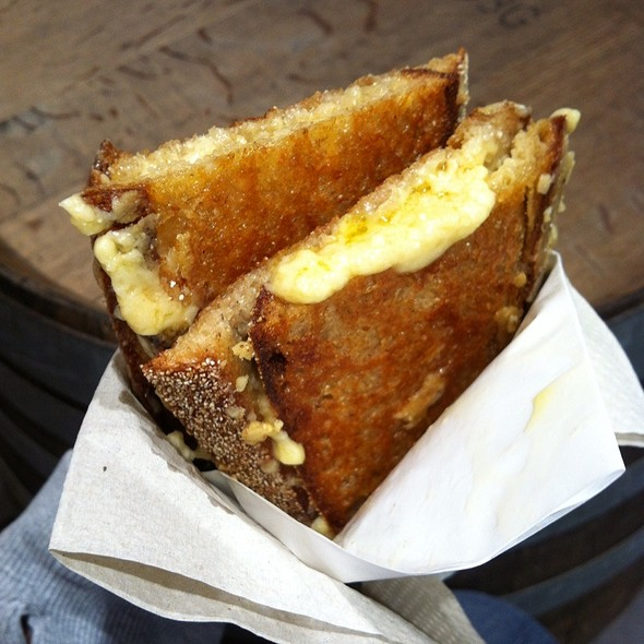 Grilled Cheese @ The Kapiti Store