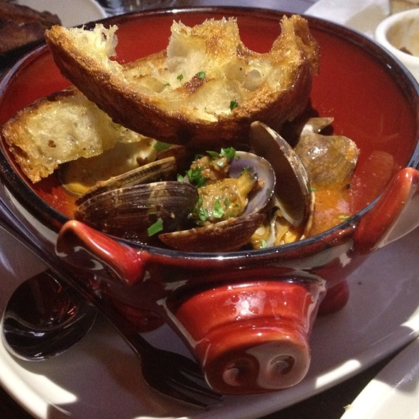 Manila Clams, Housemade Merguez Sausage, Manzanilla Sherry & Tomato @ The Purple Pig