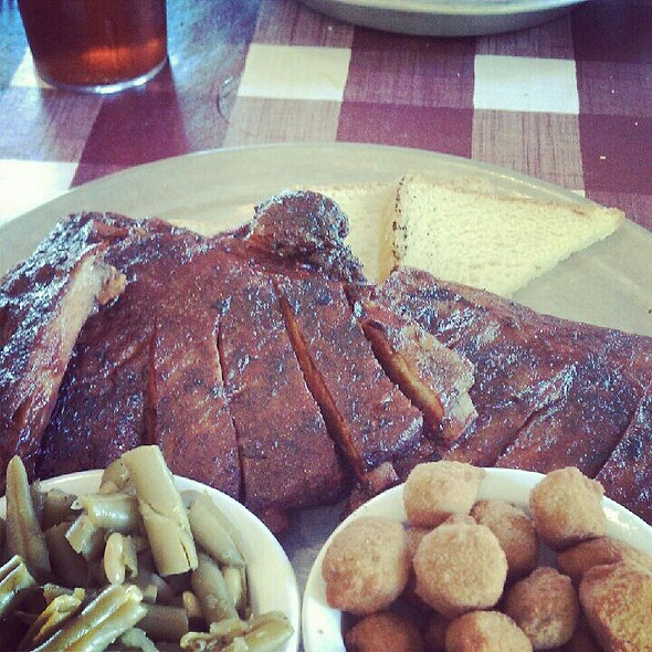 BBQ ribs @ Hatfield's & McCoy's