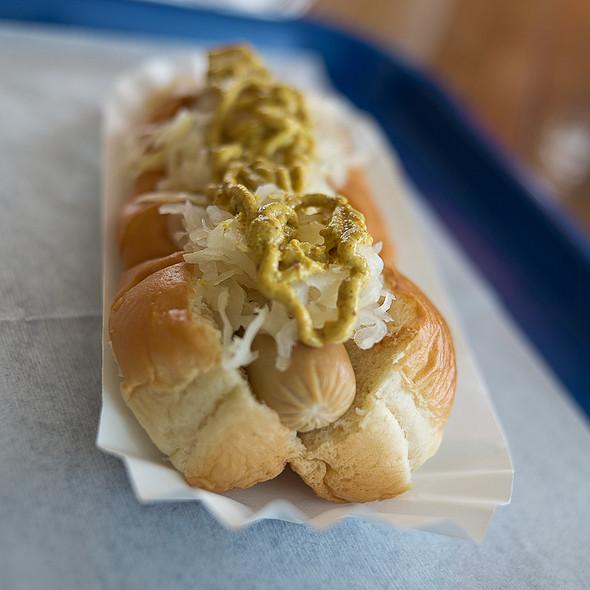 German Hot Dog @ Island Hots