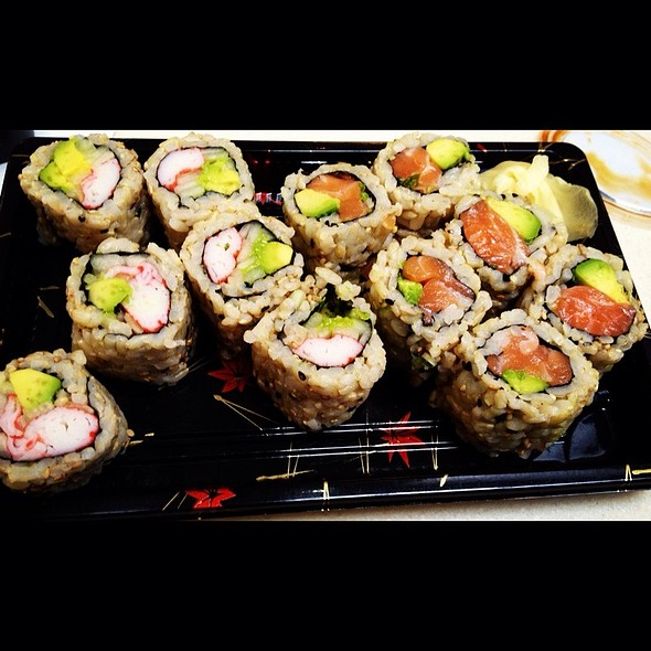 Brown Rice Sushi @ Sushi-teria