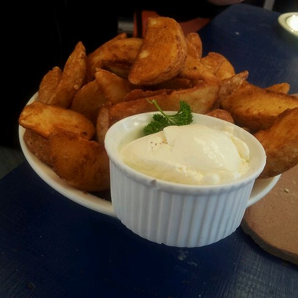 Wedges @ The Lazy Lounge