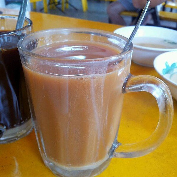 Hot Milk Tea @ Punggol Nasi Lemak Centre