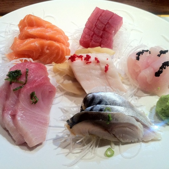 Sashimi Deluxe @ Doozo Japanese Restaurant