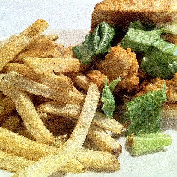 Fried Oyster Po'Boy @ Le Cordon Bleu College of Culinary Arts in Chicago