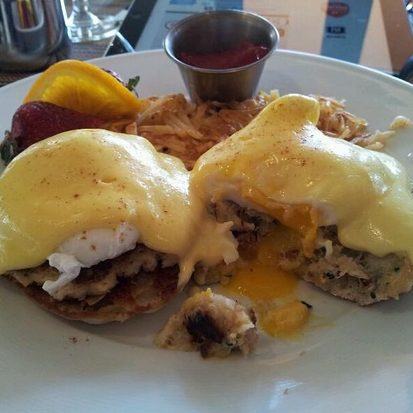Crabcake Benedict  @ Cafe Zinc