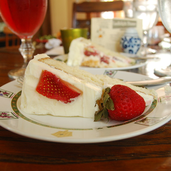 Strawberry Cake @ The Fat Tuscan Cafe