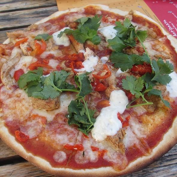 Chicken Tandoori Pizza @ Piza e Vino