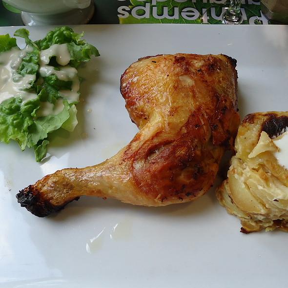 La cuisse de poulet rôtie garnie