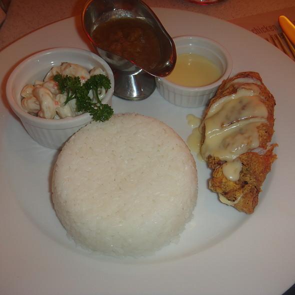 Chicken Cordon Bleu @ Mile Hi Diner - Katipunan