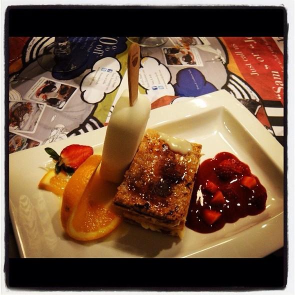 pinkberry  #desserts #yogurt @ Sam & Jolly Cafe