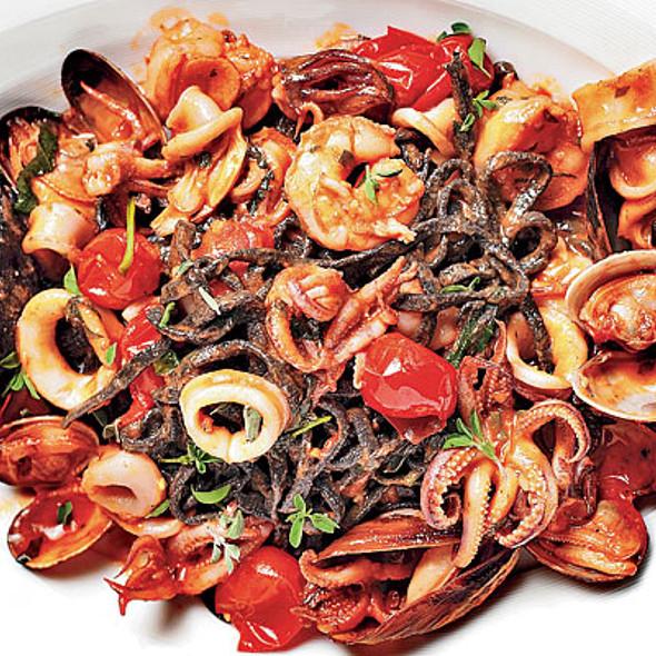 Seafood Squid Ink Spaghetti @ Piccolo Sogno Due
