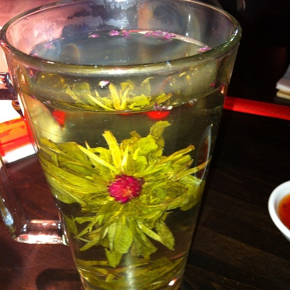 Jasmine Flower Tea @ Dim T