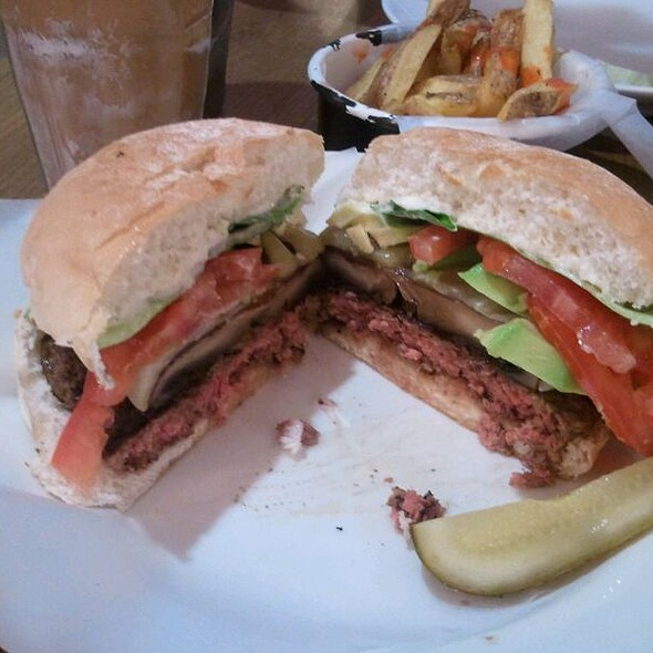 Byron Burger With Monterey Cheese, Portabello Mushroom & Avocado @ Byron, Westfield