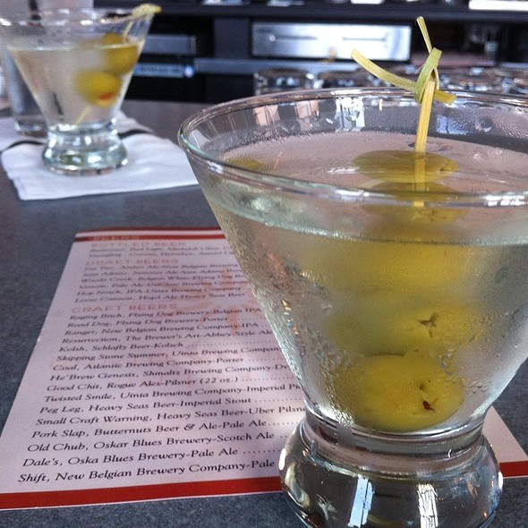 Van Gogh Blue Dirty Martini @ Earth Wood & Fire