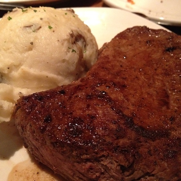Signature Sirloin And Garlic Herb Potatoes @ Outback Steakhouse