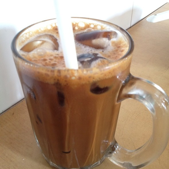 Iced Local Coffee @ Win Heng Seng Restaurant