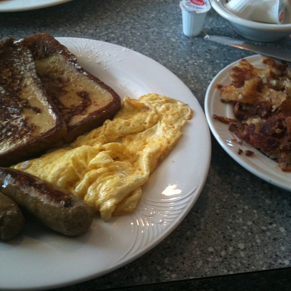 The Ultimate Breakfast @ Mary's Diner