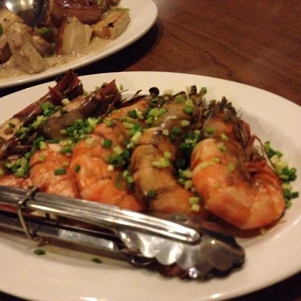 Hilabos Ng Shrimp @ Leslie's Bulaluhan