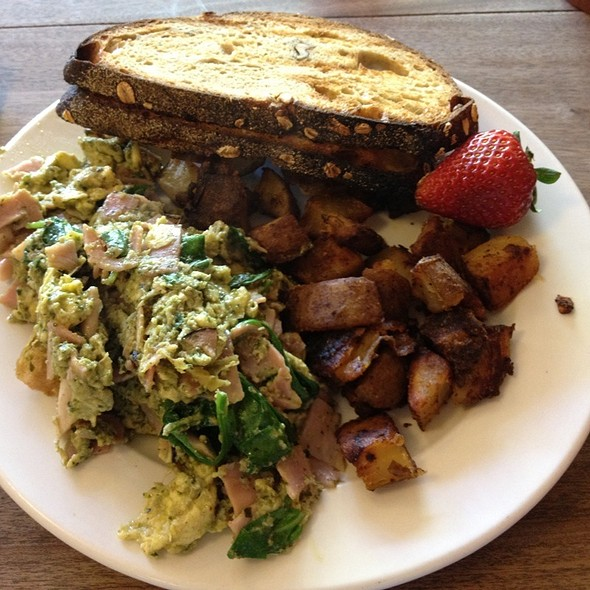 Green Eggs & Ham With Maple Toast And Homefries @ 3 Squares Cafe