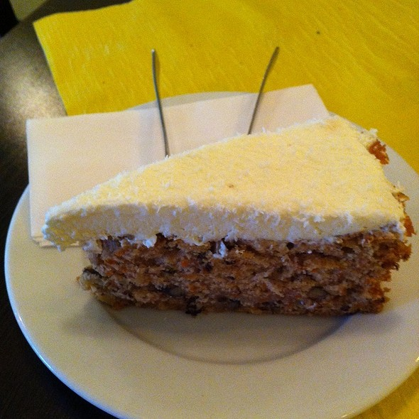 Vanilie-Möhrenkuchen