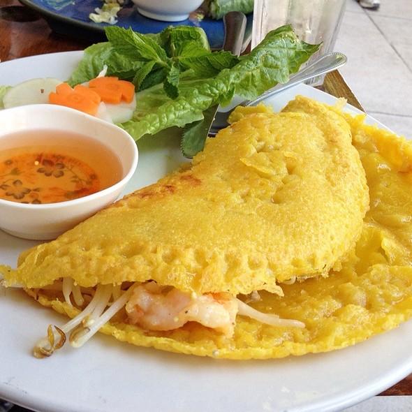 Banh Xeo (Vietnamese Crepe) @ Le Petite Vietnamese Cuisine