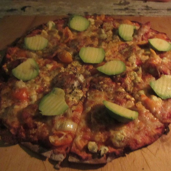 Italian Pizza with Sausage Meat and Vegetable @ ANT Hosting