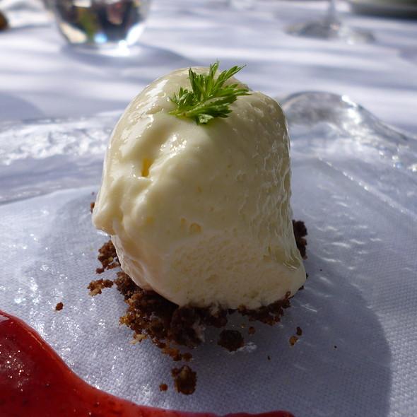 White Chocolate Mousse @ Es Raco d'es Teix