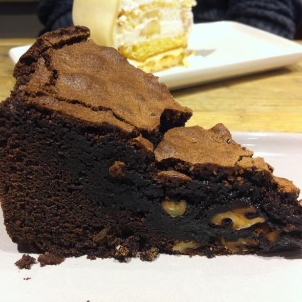 Chocolate&brownie Cake @ Chocolate Company