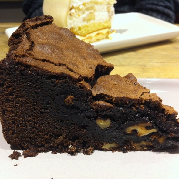 Chocolate&brownie Cake @ Chocolate Company